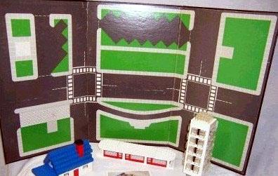 Lego Town Plan Board Cardboard Tri-Fold 48 14cm x 84 12cm - Set 842
