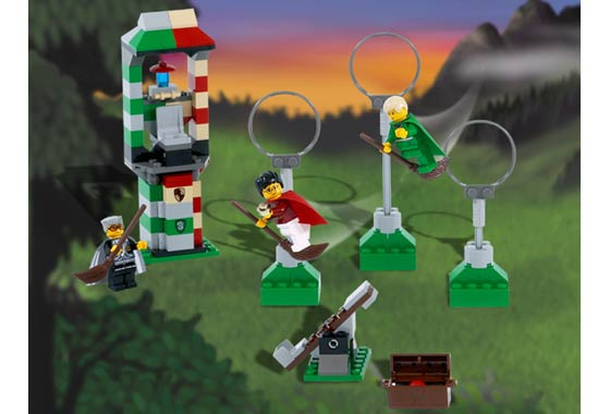 LEGO HARRY POTTER MINIFIGURE FROM SET 4726 QUIDDITCH PRACTICE