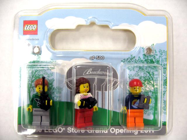 BrickLink - Set Beachwood-1 : Lego LEGO Store Grand Opening ...