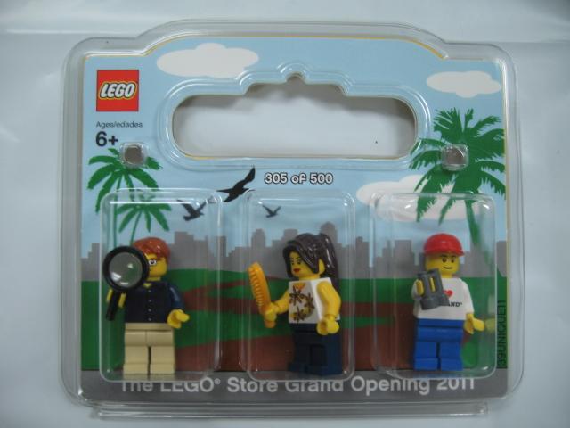 BrickLink - Set SanDiego-1 : Lego LEGO Store Grand Opening Exclusive ...